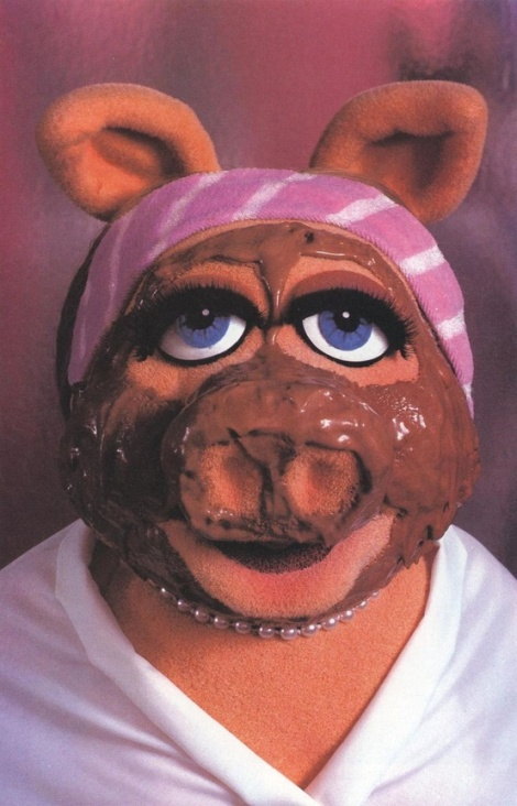 {Gooey Chocolate Chip Peanut Butter Brownie (under 200 calories) }